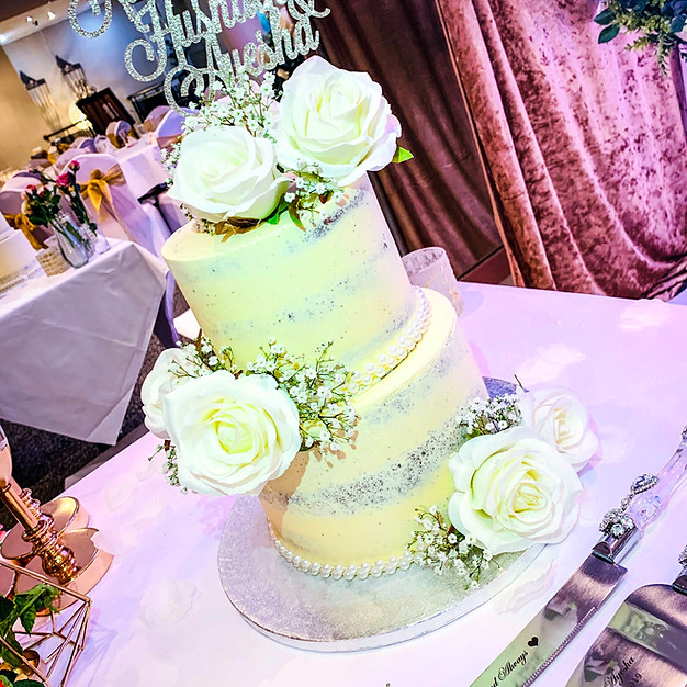 2 Tier Naked Cake.