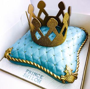 Prince Pillow Cake.