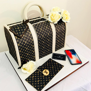 Louis Vuitton Bag Cake.