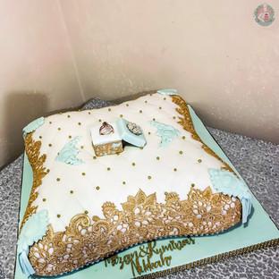 Mint Green Pillow Cake.