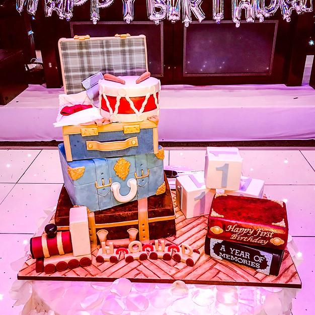 Vintage Suitcase Cake.
