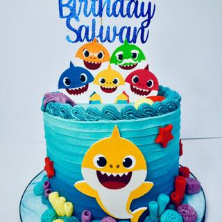 Baby Shark Cake.