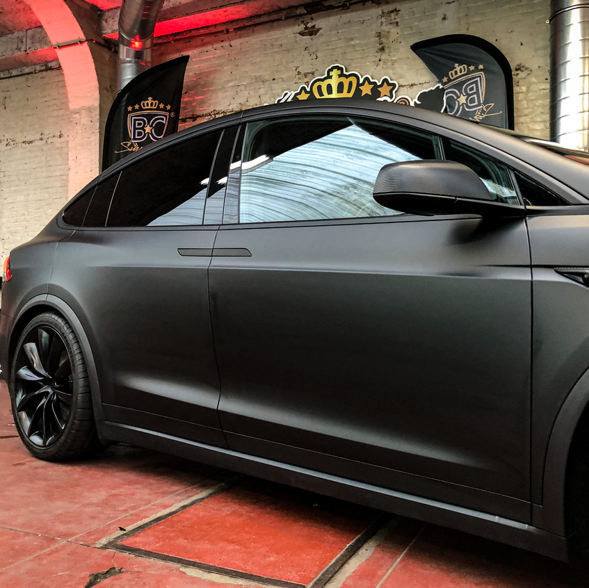 Tesla model x Carwrap black