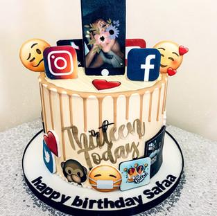Social Media Cake.