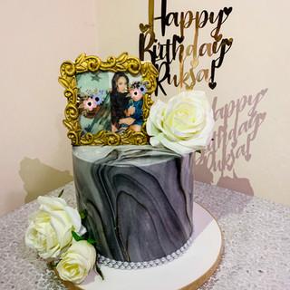 Marble Frame Cake.