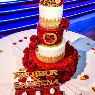 Red & Gold Wedding Cake.