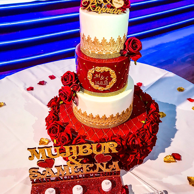 Red & Gold Wedding Cake.