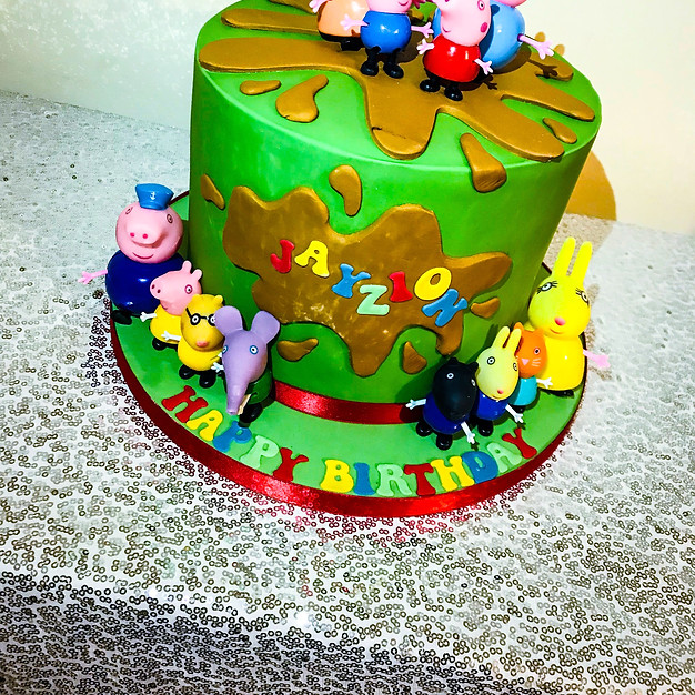 Peppa Pig Cake.