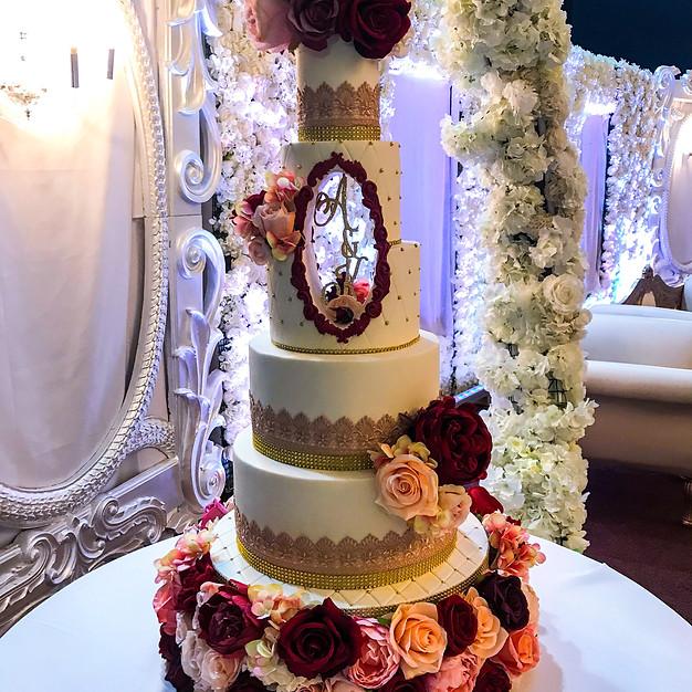 Hollow Wedding Cake.