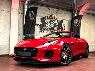 Jaguar F-Type Checkered Flag- Wrapping black accents
