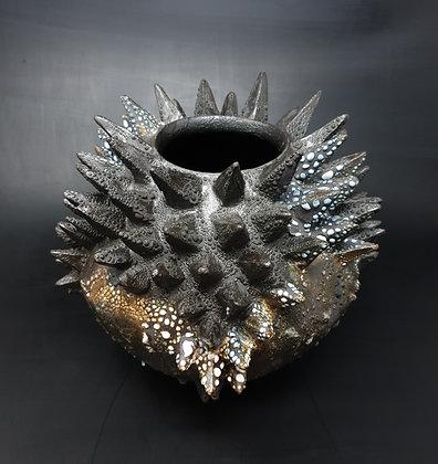 Vase, Spikes