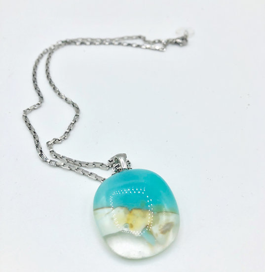 "collier pendentif ""Au bord de l'Ø"" / verre fusion"