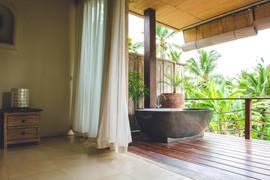 Bathtub at Villa Ganapati Master Suite