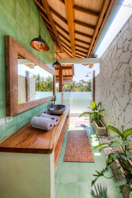 Villa Ganapati Upstair Bathroom