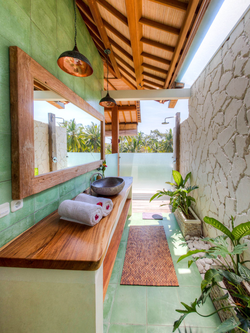Villa Ganapati Bathroom