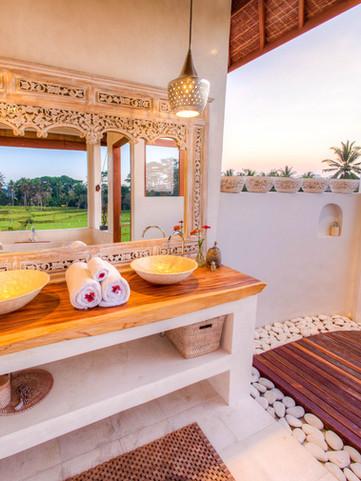 Villa Kasih Master Suite Bathroom