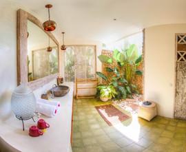 Villa Ganapati Master Suite Bathroom
