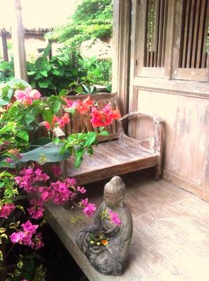 Kasih Bungalow Porch