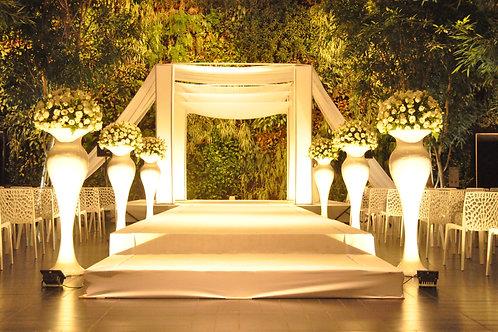 שישה סדורי פרחים ליזיאנטוס לבן וירק בארגטל בשדרה לחופה