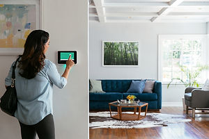 SMART-HOME-Vivint-wall-hub-1.jpg