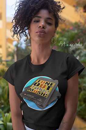 t-shirt-mockup-of-a-bold-woman-with-a-ki