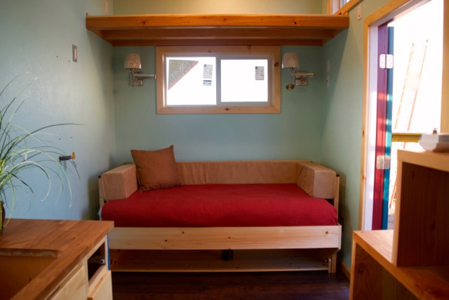 Ritzy Hiddenbed - Custom made for this Tiny Home