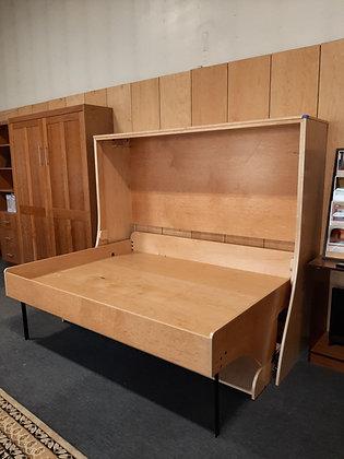 Smile Queen Deskbed in Maple