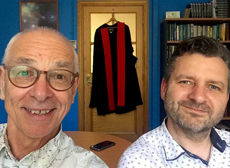 Faster than light: Shirtloads of Science with Dr Karl