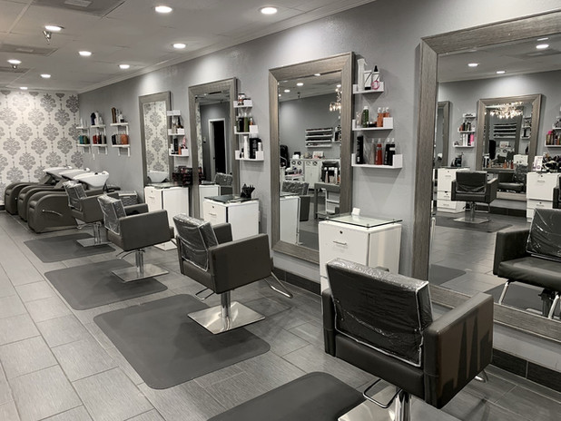 The Savvy Stylist Salon