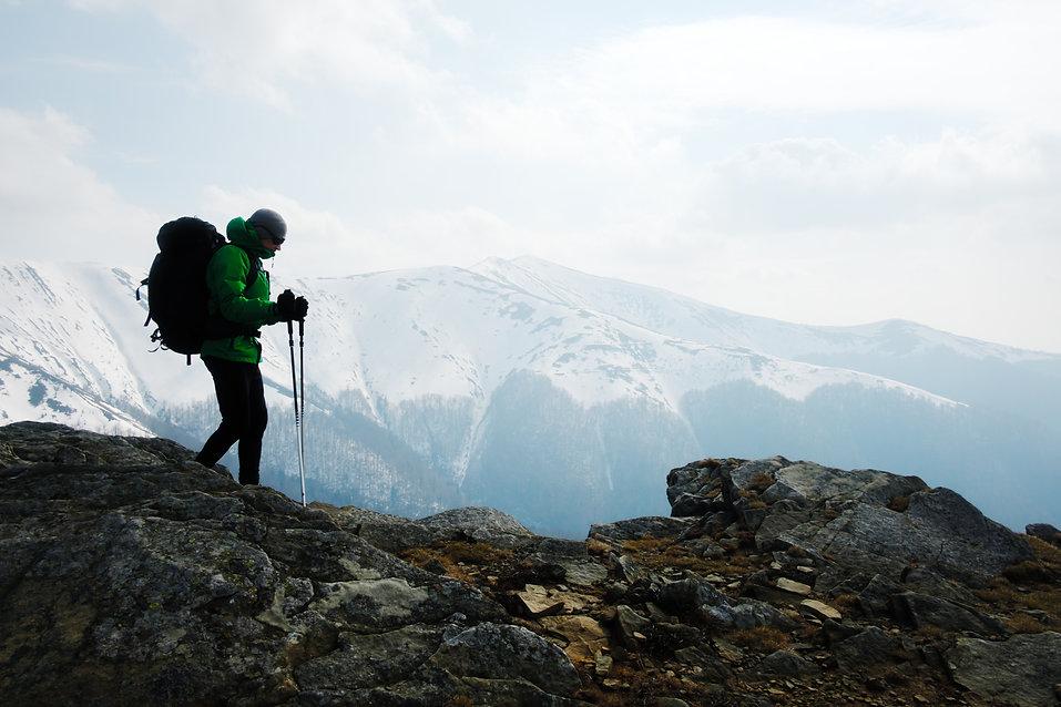 hiker-with-backpack-silhouette-ZJHURCD.j