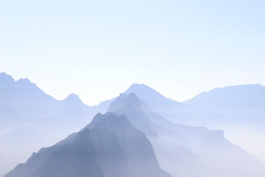blue-mountains-ZSXX8KJ.jpg