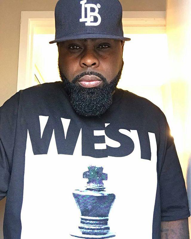 👑 #Repost _kxngcrooked #westkings #westkingsclothing #kingsneverdie #cob #chesspiece #kingswearcrow