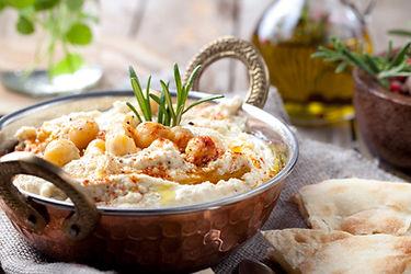 Hummus with chickpeas and seasonings.