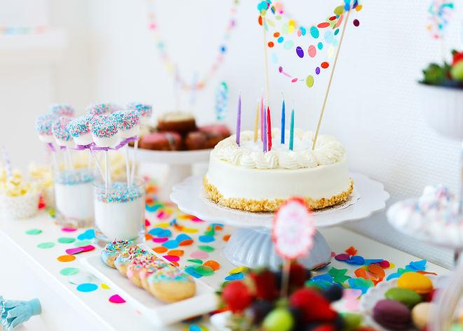 festa di compleanno colorato