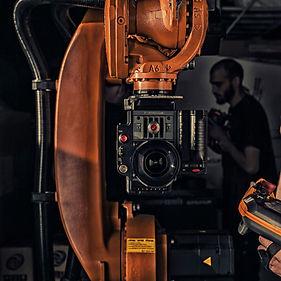 Vilka.pro - Видеосъемка с использованием моушн-контроль роботом KUKA
