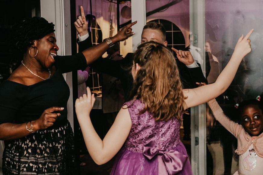 Dancing Guests - SoulMade Fotodesign