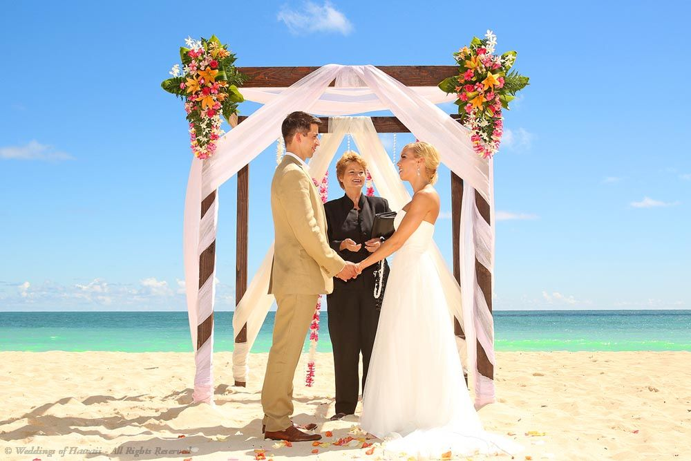 Your Hawaii Dream Wedding Is Now A Reality