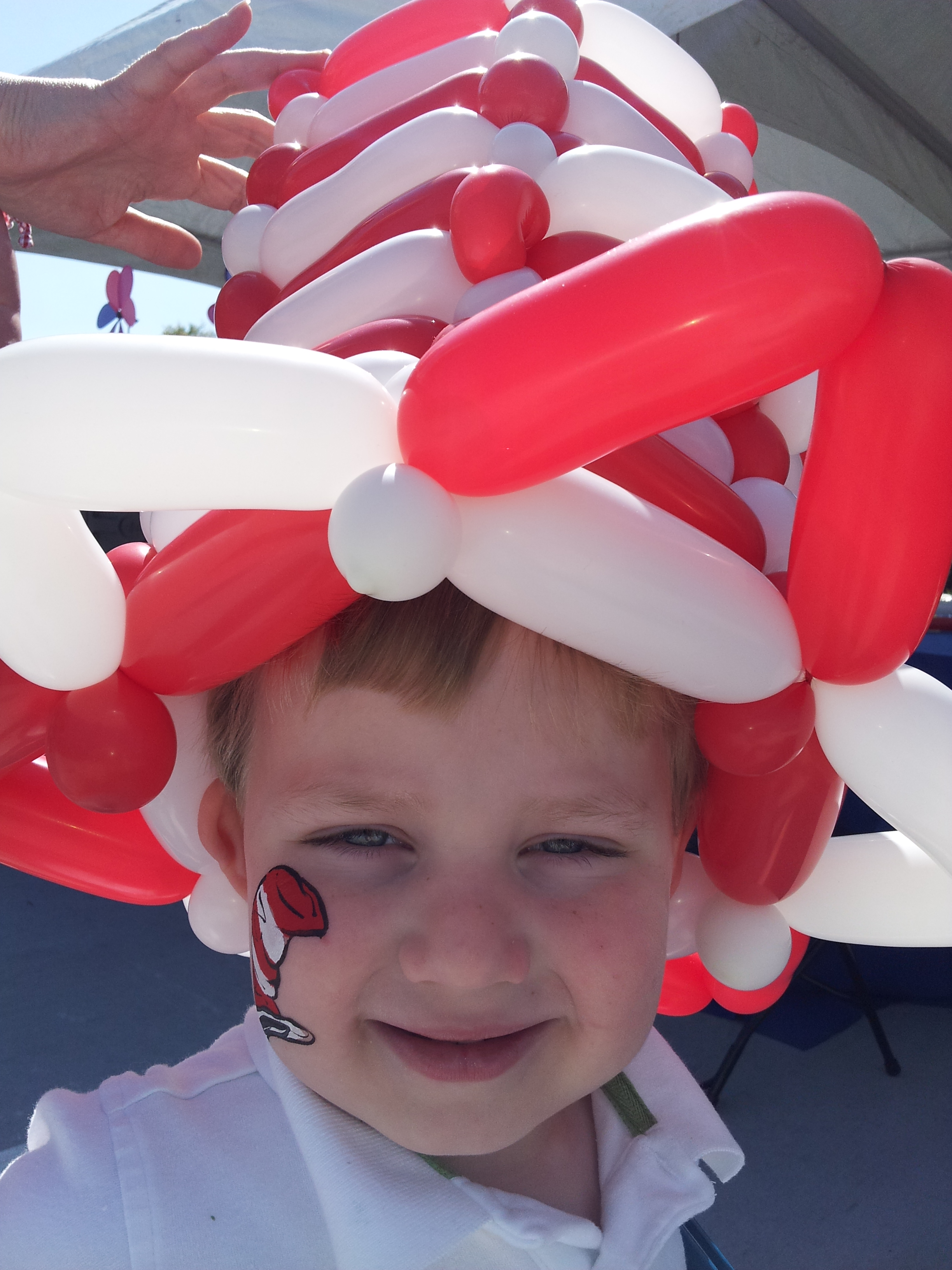 Cat in the hat balloon art
