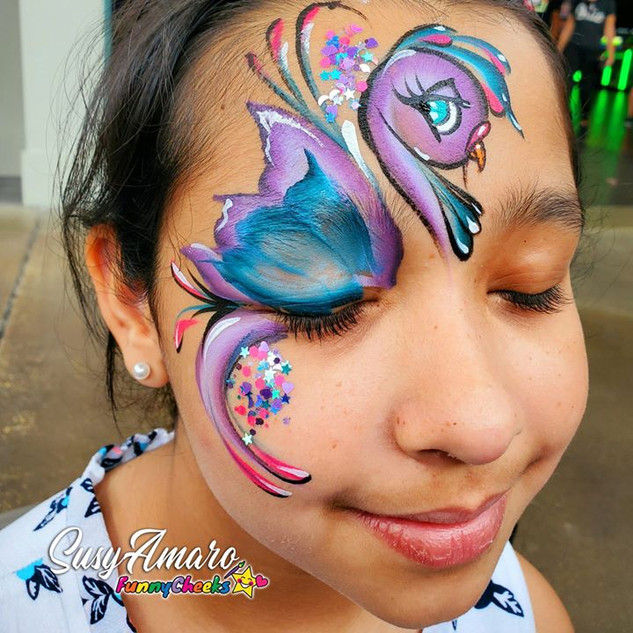 A bird face painting done with #EZStroke