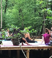 yoga-forest-di-canyon_edited.jpg