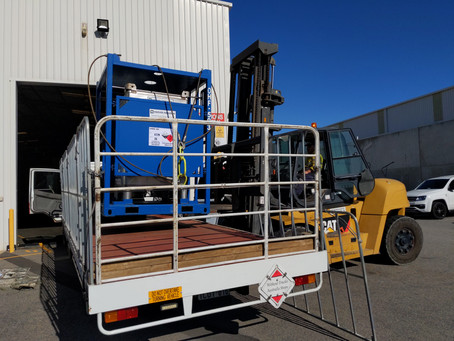 Offshore tote decanting & cleaning