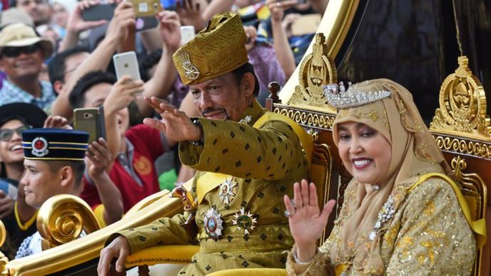 Brunéi comienza a aplicar la pena de muerte por lapidación contra gays y adúlteros