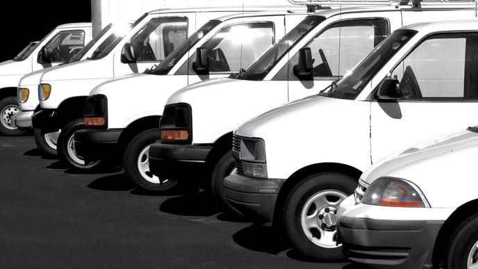 Un rumor en Facebook sobre camionetas blancas esparce miedo en Estados Unidos