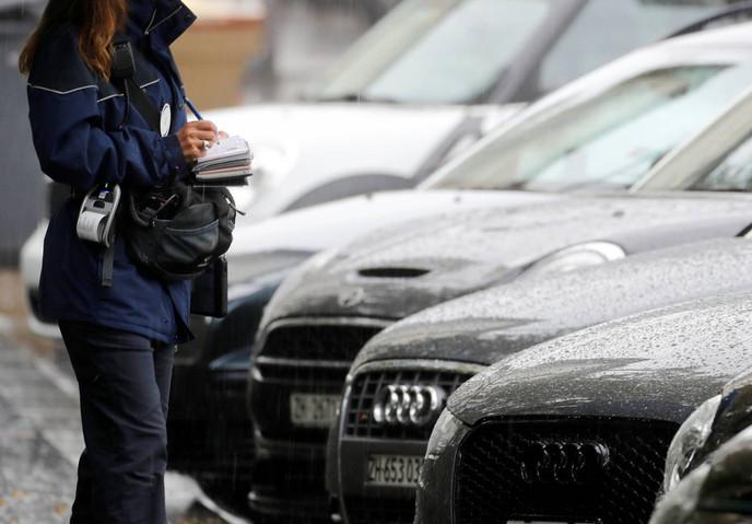 Washington estudia autorizar a los residentes a hacer multas de tránsito
