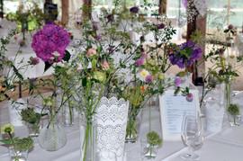 Tischdekoration in Vasen 2