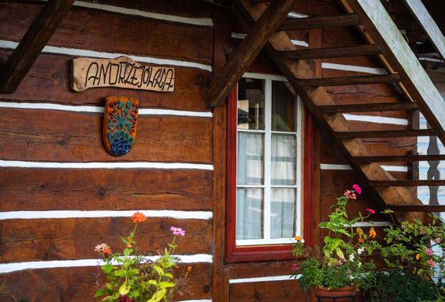 Andrzejówka - duży drewniany dom