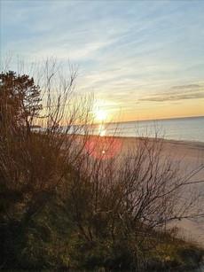 Zachód słońca na plaży w Międzywodziu