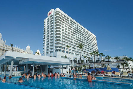 pool-riu-antillas.jpg