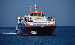 ferry-650385_640.jpg