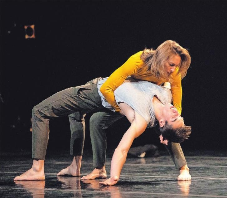 Deux danseurs virtuoses en résidence de création